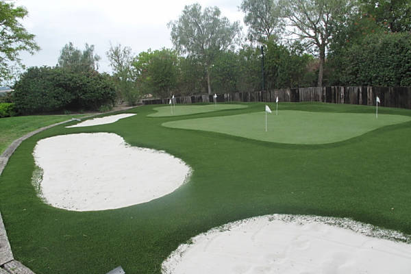 Residential Home Putting Green with FieldTurf
